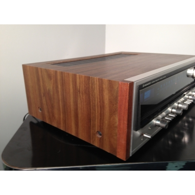 Pioneer SX-838 Stereo AM/FM Receiver - 70s Vintage with beautiful wood cabinet