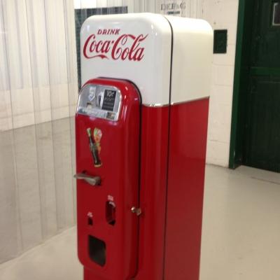 vendo 44 coke machine