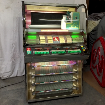 Seeburg V-200 Jukebox (1955) - V-200